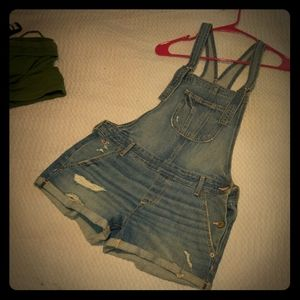 Hollister small overall shorties
